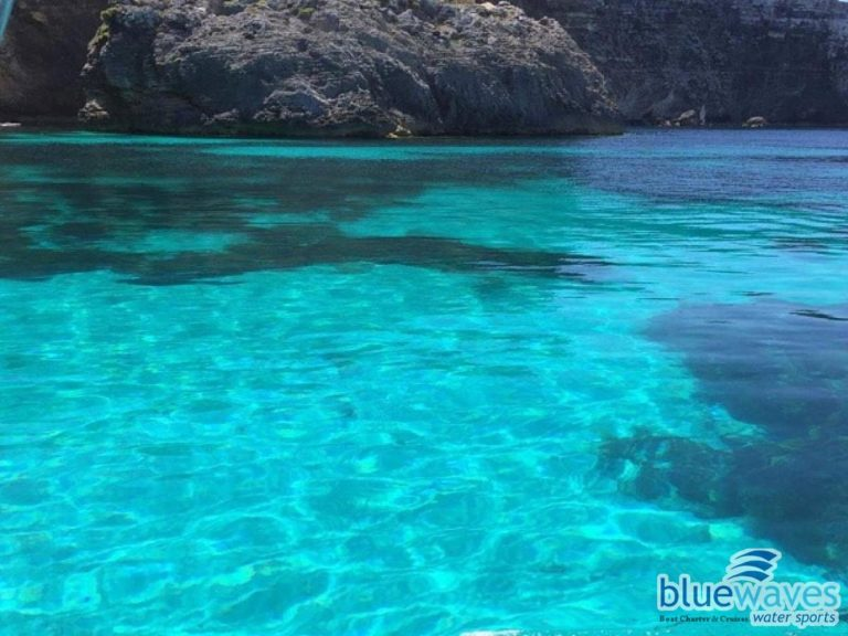 Blue Clear sea in Comino